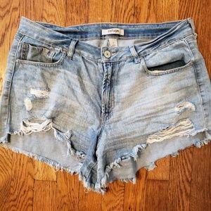 Refuge 14 jean shorts